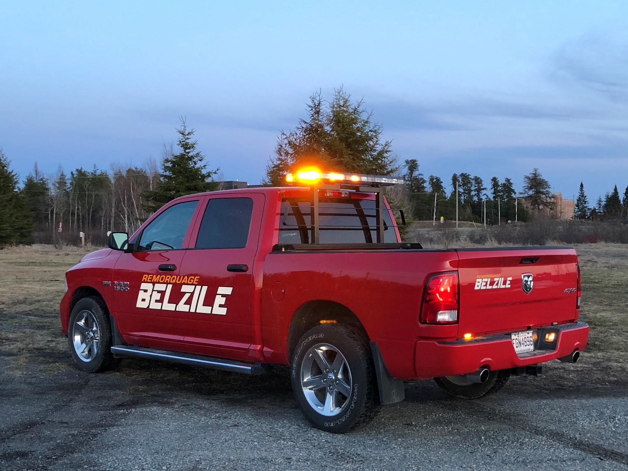 Service descorte routière (Pilot car service) en Ontario